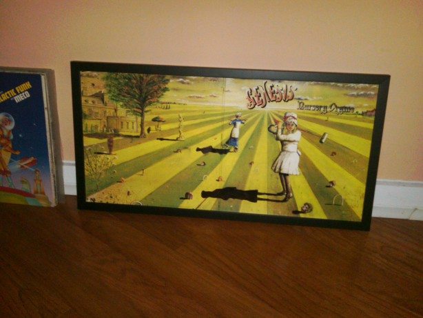 nursery-cryme-framed